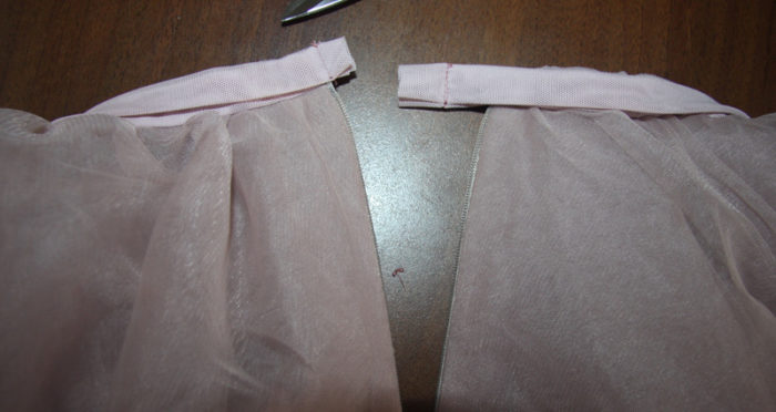 Юбка из фатина со шлейфом для девочки